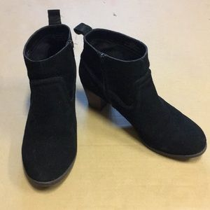 Black Pair of Booties